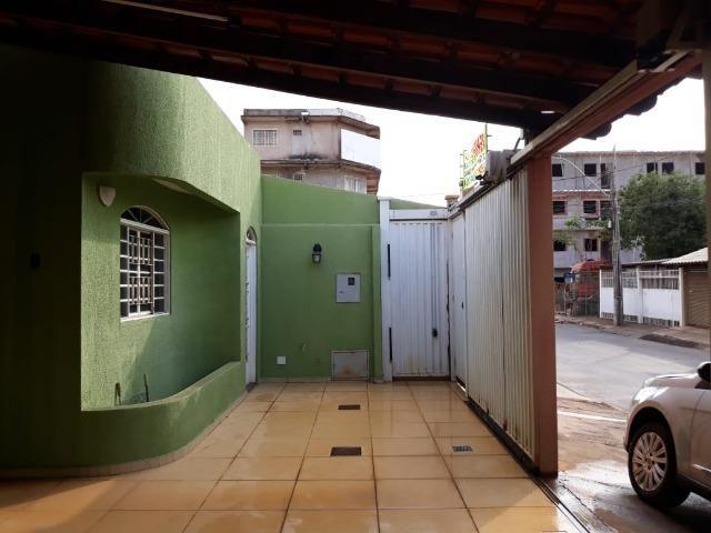 Excelente casa 2 quartos, garagem 3 carros, base para sobrado Riacho Fundo II - Foto 16