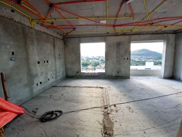 Residencial Fiorello amplo apartamento com 3 suíte, 3 garagens, alto padrão em Santa Maria - Foto 2