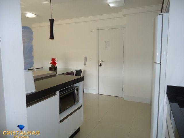 Apartamento novo e bem mobiliado - Foto 9
