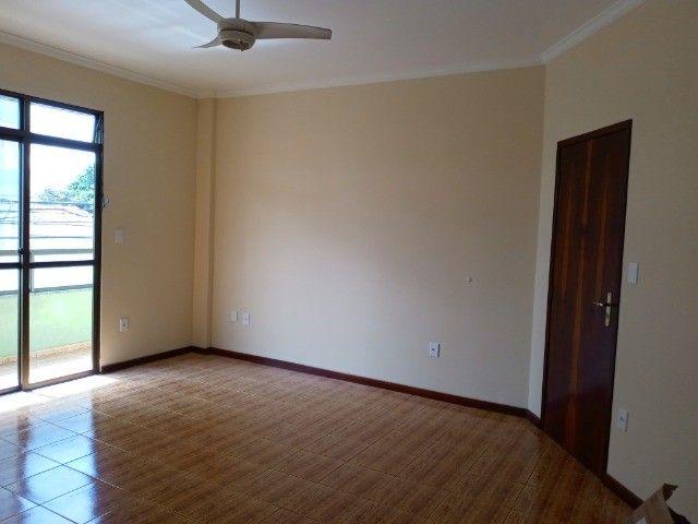 Apartamento 3 quartos sendo um suíte , 104m²,  2 vagas garagem, ótima localização - Foto 8