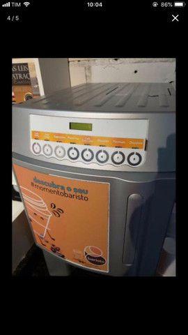 Vendo máquina de café semi nova - Foto 2