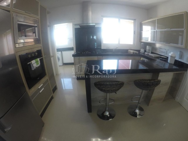 Apartamento a venda frente mar todo mobiliado no Edifício Beverly Hills na Barra Sul em Ba - Foto 4