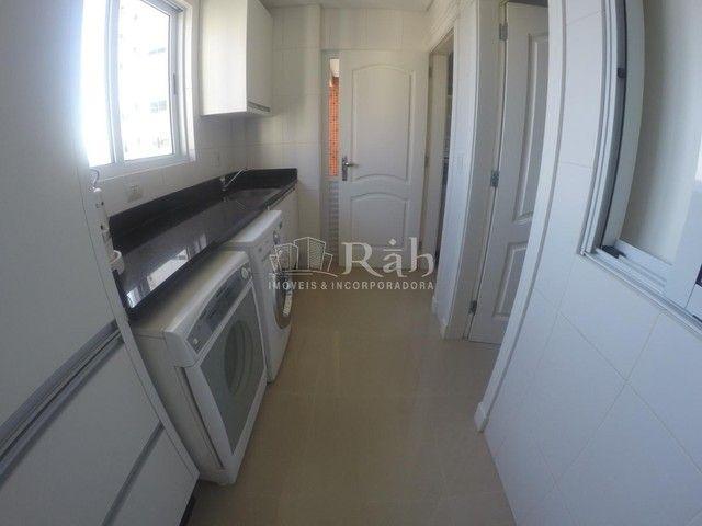 Apartamento a venda frente mar todo mobiliado no Edifício Beverly Hills na Barra Sul em Ba - Foto 17