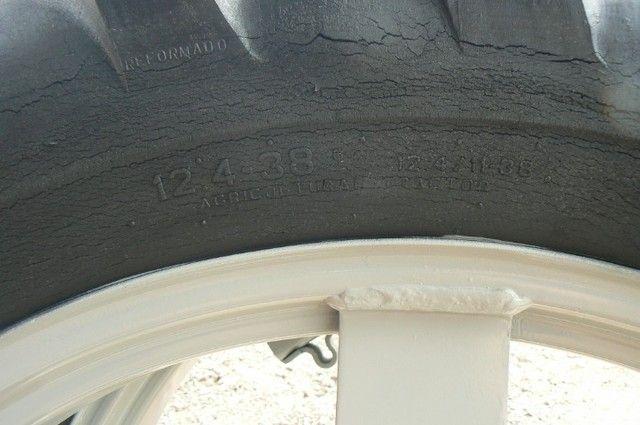 Par de pneus fino 13-6-38 e 12-4-38 - Foto 6