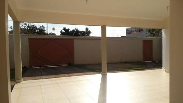Casa  com 4 quartos - Bairro Residencial Village Garavelo em Aparecida de Goiânia