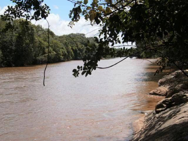 Terreno na beira do rio Aquidauana