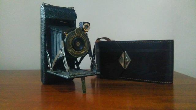 Câmera antiga portátil
