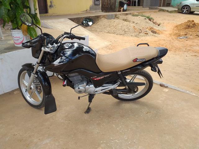 Vendo ou troco moto todo perfeita fan 150 - Foto 2