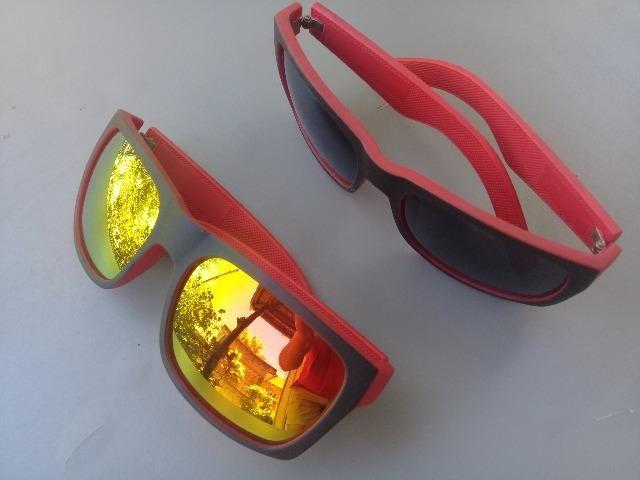Óculos escuros vermelhos novos 20 reais cada