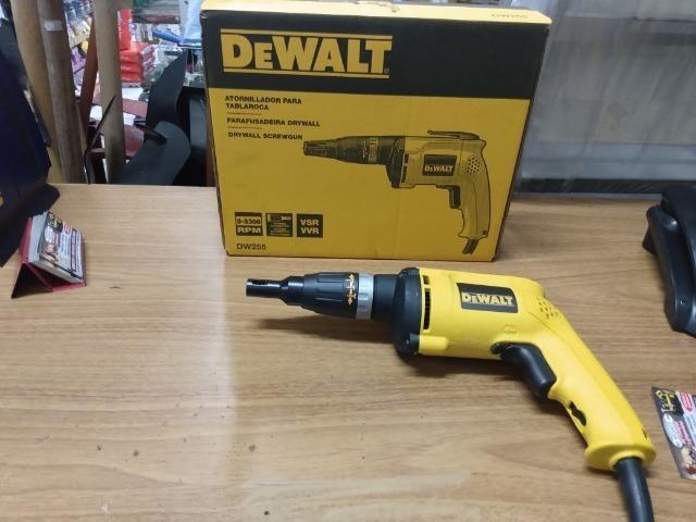Parafusadeira drywall dewalt 540w R$550,00 a vista novo sem uso com garantia
