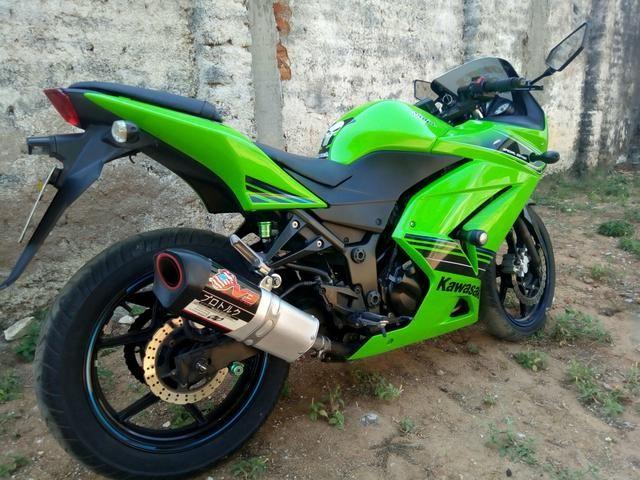 Ninja 250 vendo ou troco em moto do meu interese - Foto 3
