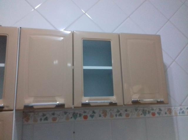 Armário de cozinha e geladeira frost free - Foto 2