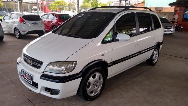 Chevrolet Zafira ZAFIRA 2.0 MPFI ELEGANCE 8V FLEX 4P MANUAL 4P
