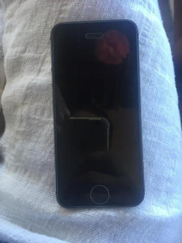 Vende-se IPhone 5s 16gb Cinza Espacial - Foto 2