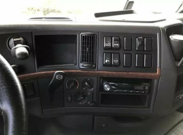 Volvo FH 440 6x2 - Foto 2