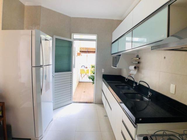 CA0923 - Casa plana com 3 suítes, dependência e lazer completo em condomínio fechado - Foto 9