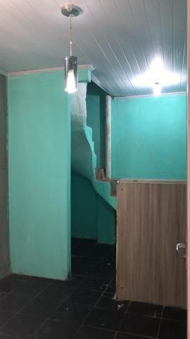 Casa 1/4 por 350 fora água e luz