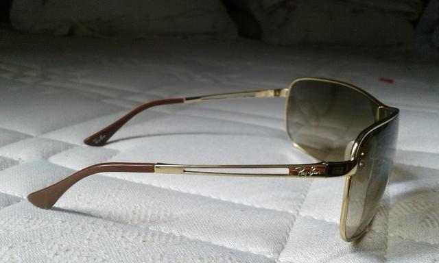 Óculos de sol Ray-Ban pouquíssimo uso - Bijouterias, relógios e ... fe9b72fc2a