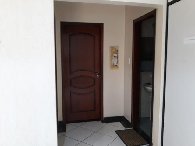 Excelente casa 2 quartos, garagem 3 carros, base para sobrado Riacho Fundo II - Foto 3