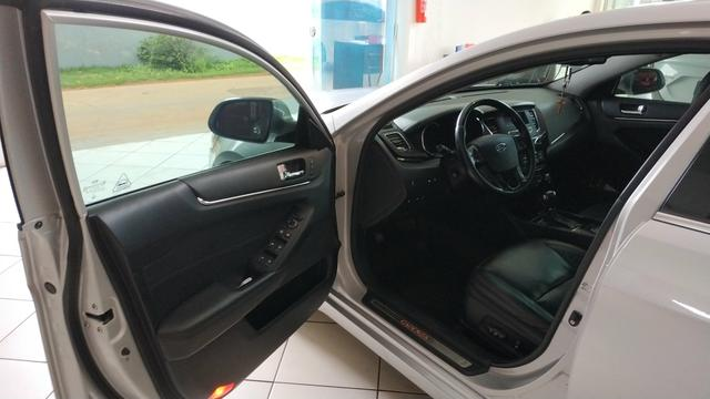 Kia Cadenza EX 3.5 V6 (2011) Aut - Foto 9