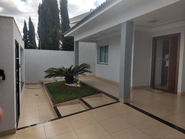 Linda casa no bairro Ipanema em Patos de Minas/MG - Foto 9