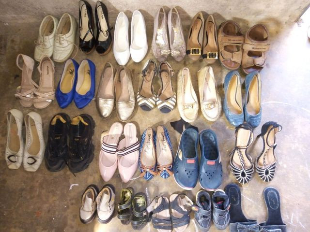 Vendo lote de roupas e sapatos, cafeteira e filtro