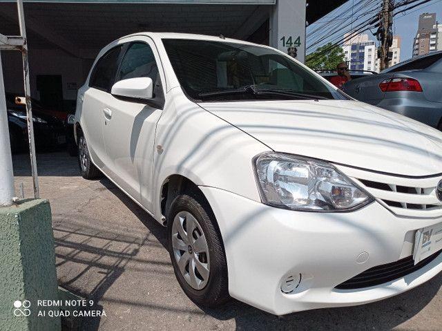 Toyota Etios xs1.5 completo bem conservado - Foto 2