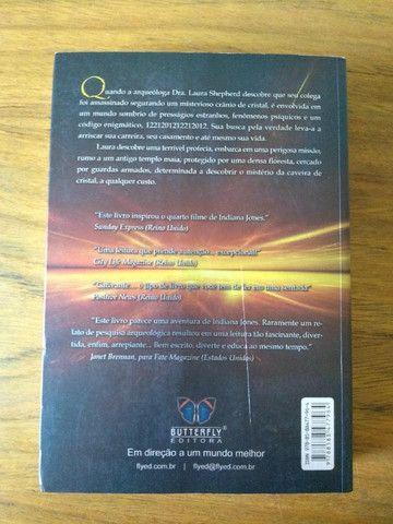 Livro - O mistério da caveira de cristal - Chris Morton e Ceri Louise Thomas - Foto 2