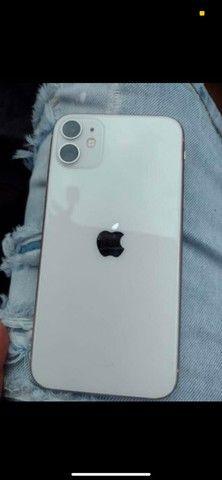 iPhone XR com fundo do 11 abaixei pra vende logo  - Foto 3