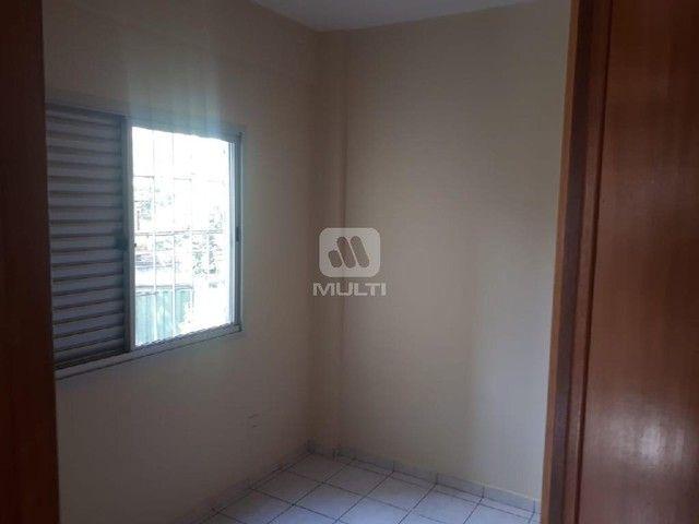 Apartamento para alugar com 3 dormitórios em Saraiva, Uberlândia cod:L13428 - Foto 11