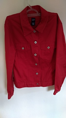 Jaqueta jeans Gap vermelha - Foto 2