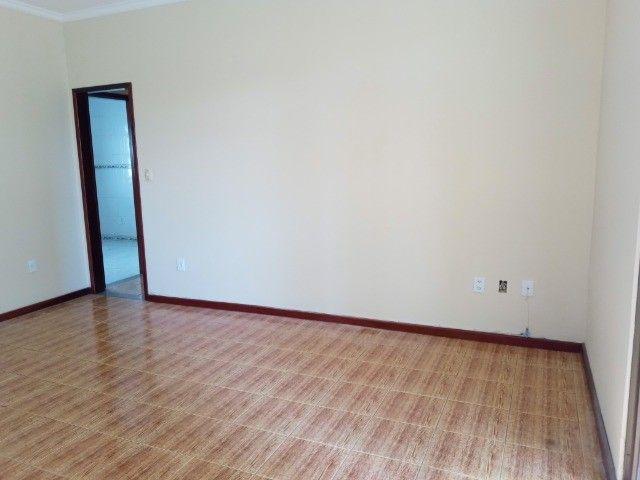 Apartamento 3 quartos sendo um suíte , 104m²,  2 vagas garagem, ótima localização - Foto 6
