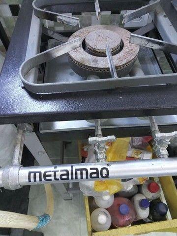 Fogão industrial três bocas - Foto 2