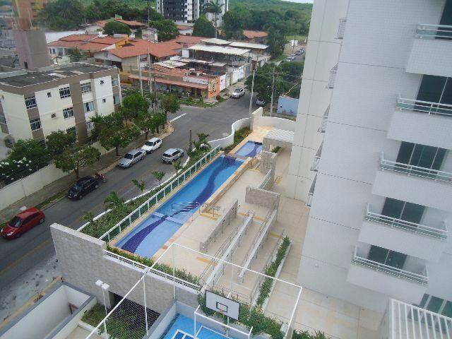 Apartamento 3 suites no bairro de Capim Macio. Cond. Royal Palms-142M2