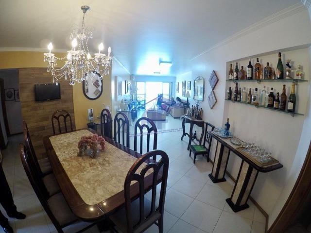 Apartamento com 4 suítes - Edifício Palazzo Bianchi - Ponta Verde