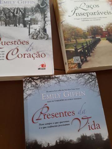 Livros Romance Literatura adulta 3 Livros + 1 Brinde