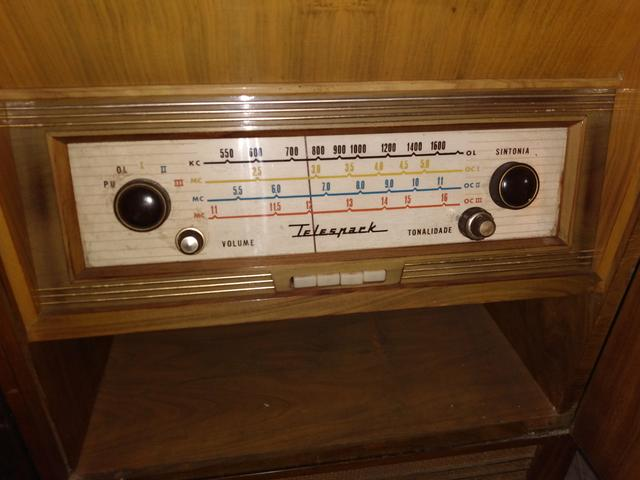 Antigo Rádio vitrola Telespark! - Foto 3