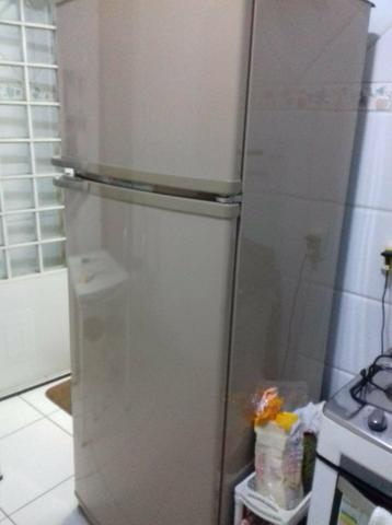 Armário de cozinha e geladeira frost free - Foto 5