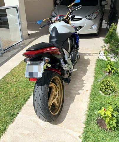 Moto HONDA CB 1000R - 2014 - Tricolor(Capitão América ) - Foto 4