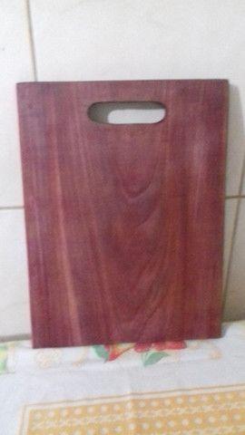 Vendo tabua de corte em madeira roxinho - Foto 2