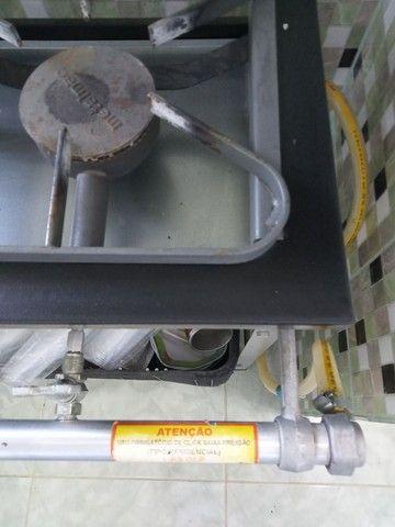 Fogão industrial três bocas - Foto 5