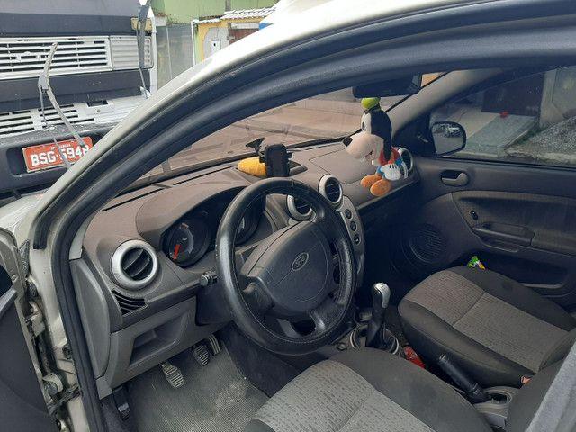 Fiesta sedan  - Foto 5