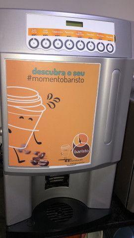 Vendo máquina de café semi nova
