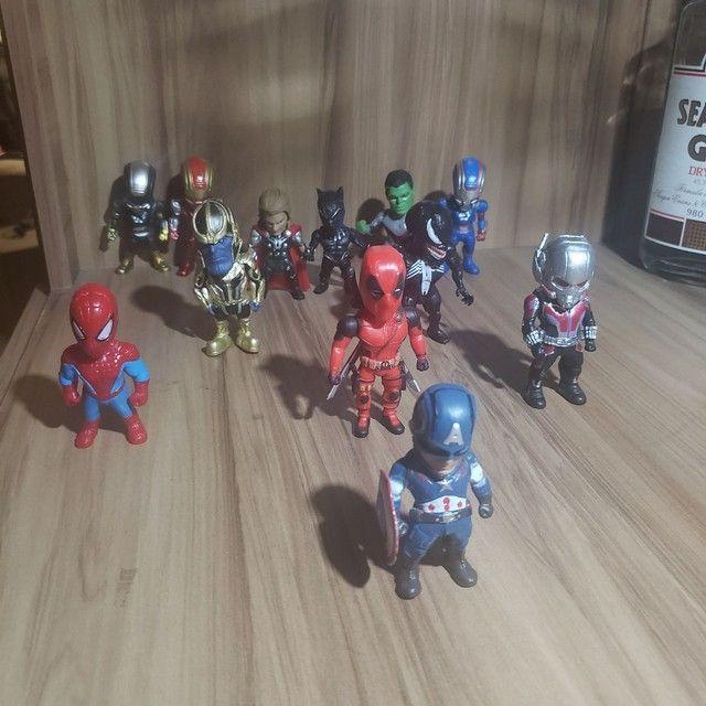 Kit 12 bonecos colecionáveis Marvel