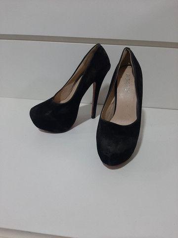 Sapato com sola vermelha  - Foto 3