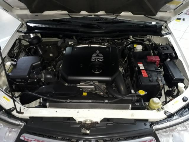 MITSUBISHI PAJERO DAKAR 3.2 HPE 4X4 7 LUGARES 16V TURBO INTERCOOLER DIESEL 4P AUTOMA. - Foto 5