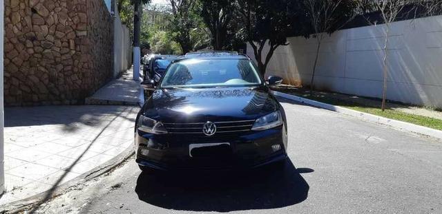Volkswagen Jetta Confortline 1.4 TSI 17/18 - Pacote Premium