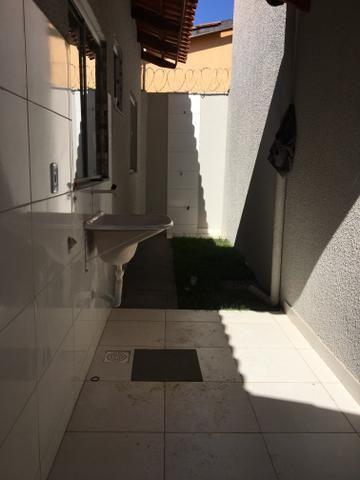 Carolina Parque Casa com varanda na frente com dois quartos sendo um suíte com ducha - Foto 7