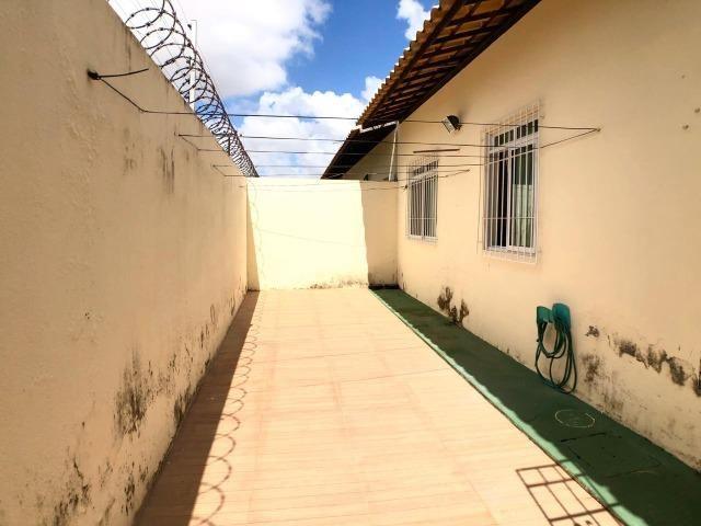 CA0923 - Casa plana com 3 suítes, dependência e lazer completo em condomínio fechado - Foto 10