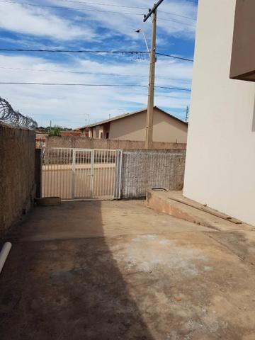 Apartamento 2 Qts, Sala, Cozinha, Banheiro, Área de Serviço e Garagem - Foto 3